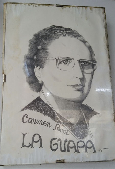 Retrato de Carmen Pecci en la churrería La Guapa