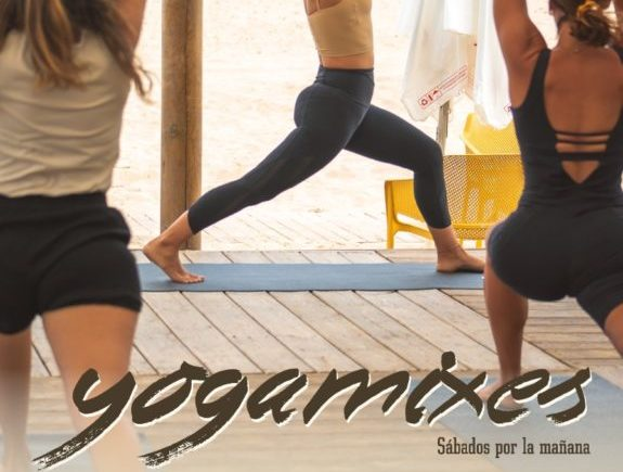 Yoga y brunch en Nahu Beach de Cádiz