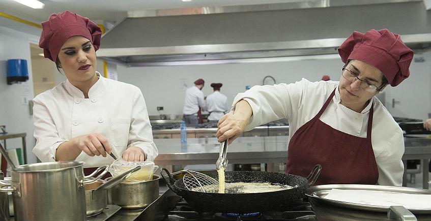 18 de mayo. Cádiz. Último Jueves Gastronómico en la Escuela Fernando Quiñones