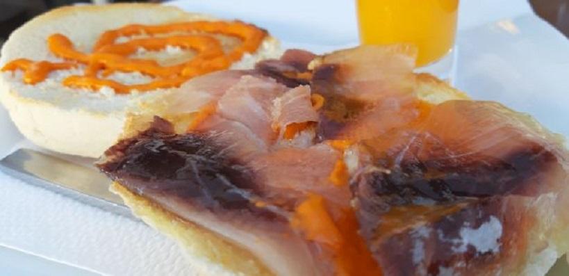 Las tostadas de albur marinado del bar El Cura