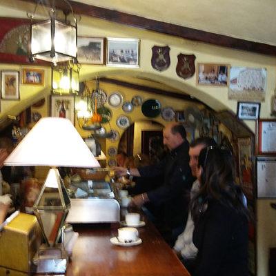 Interior del bar Rebolo. Foto: Cosasdecome