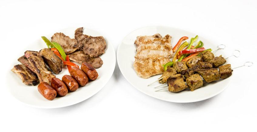 Barbacoa con diversos productos ibéricos de Montesierra como secreto ibérico, filetitos de lomo, costilla, choricitos y pinchitos. Foto: Cedida por Montesierra