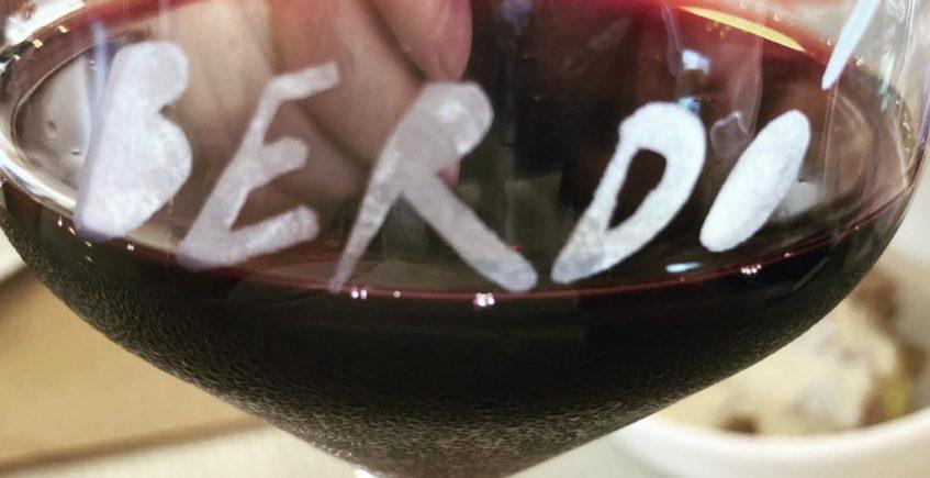 Catas de vinos gallegos y champagne en Berdó