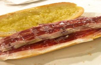 El bocadillo de jamón de la Venta Pinto