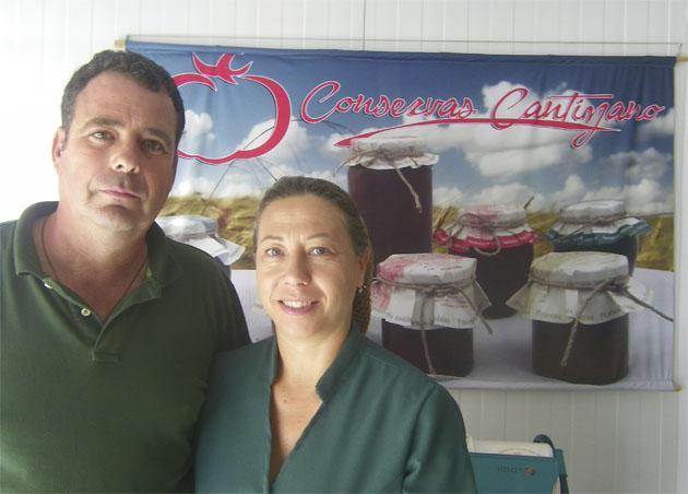 Juan Antonio Cantizano e Isabel Pérez Rosendo, los fundadores de Conservas Cantizano. Foto: Cosasdecome