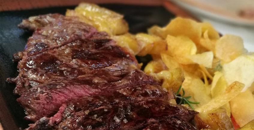 Las carnes del restaurante La Castillería