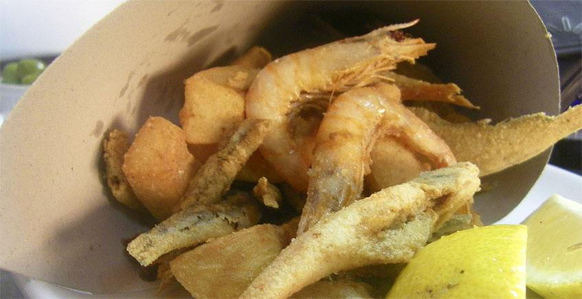 El cartucho de pescado frito del bar Los Remedios