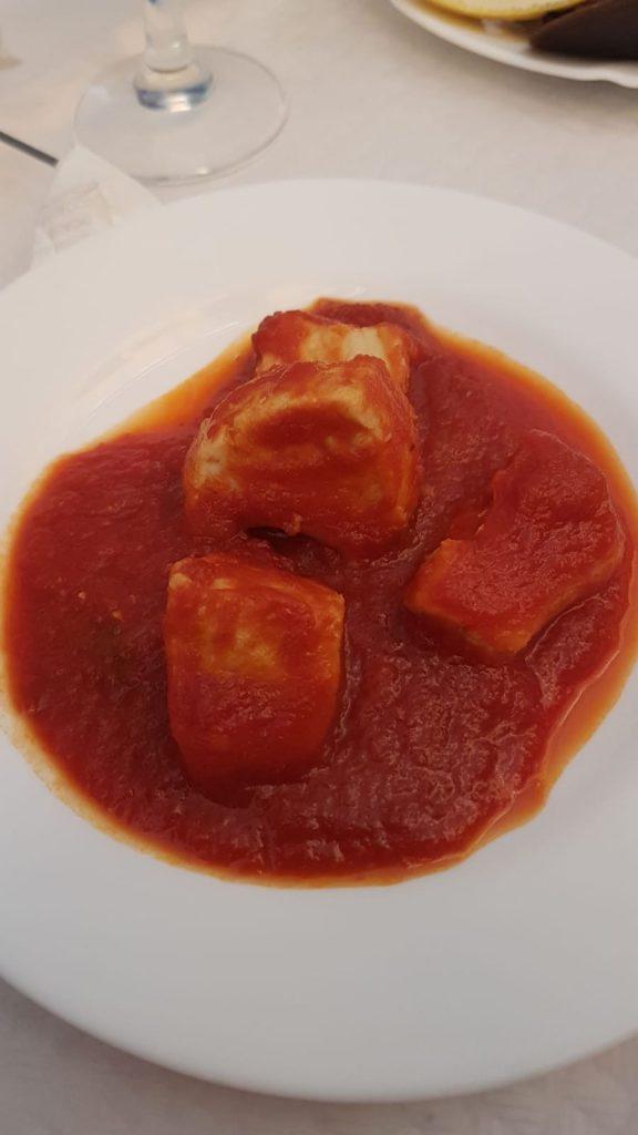 Cazon con tomate Casa Perico