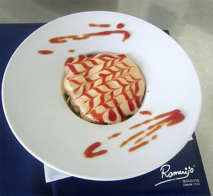 La versión del cóctel de mariscos de Romerijo. Foto: Cosasdecome.