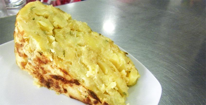 La tortilla de patatas del café bar Alver