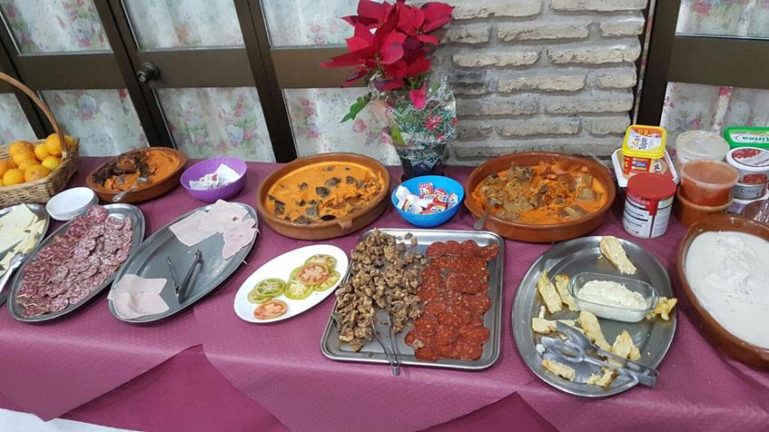 El buffet del Mesón Asador Las Pachecas fotografiado por Periko Bernal.