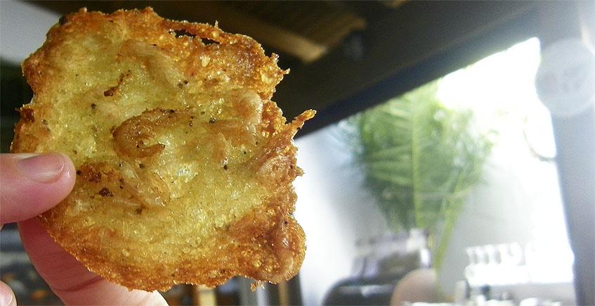 Las tortillitas de camarones del Mesón El Copo