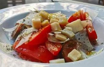 La ensalada de tomates de la huerta de El Patio de las 7 Esquinas