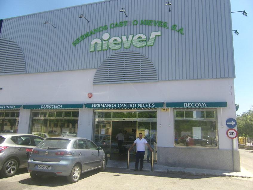 Aspecto exterior de la tienda. Foto: Cosasdecome