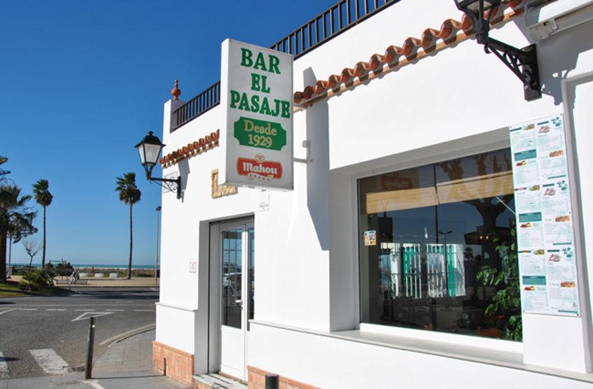 Imagen exterior del establecimiento. Foto: Cedida por el bar El Pasaje.