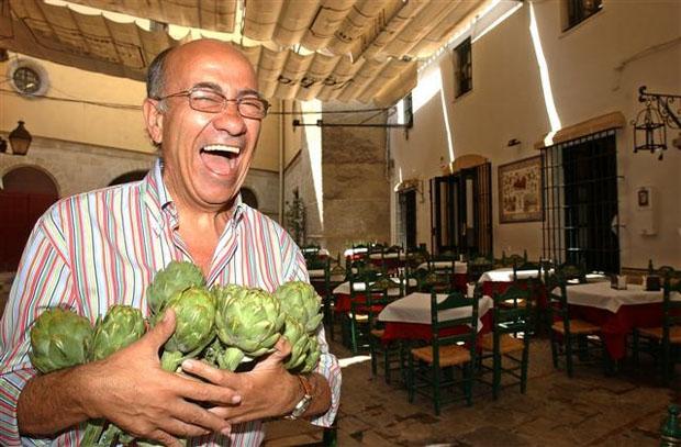 Faustino Rodriguez con sus famosas alcachofas