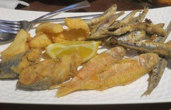 El surtido de pescado frito de Sopranis