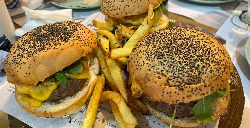 La hamburguesa de retinto con salsa de bacon de El Arbol Tapas