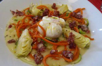 Los huevos camperos con spaguetis de verduras de La Divina
