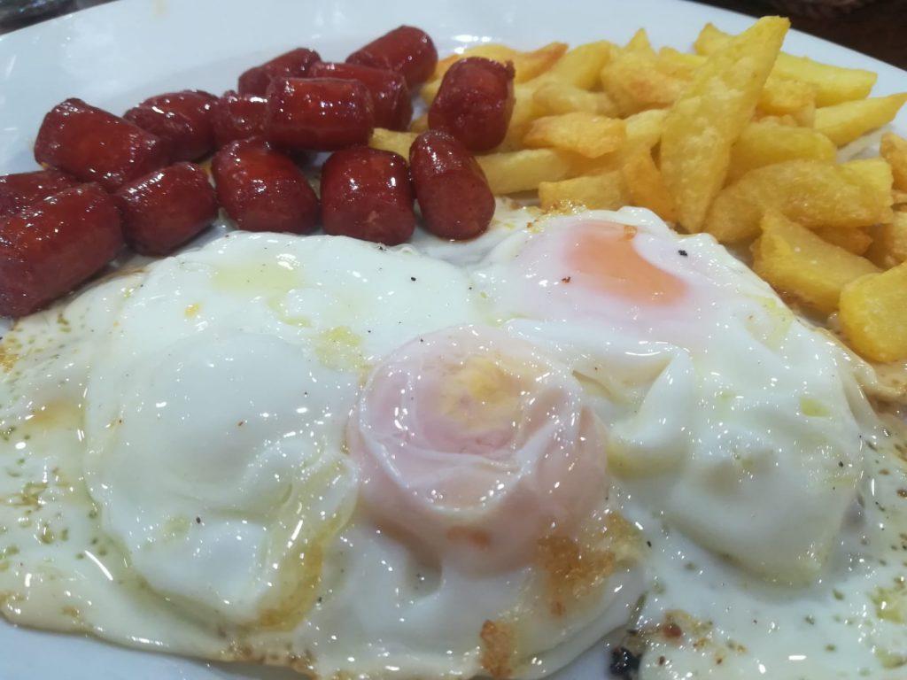 Huevos con papas foto Javier Ciezar