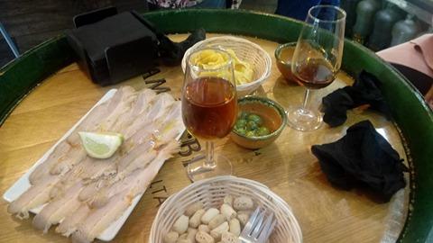 Chicharrones, una de las chacinas que probó Sergio Tosso en l10 vinos. La foto es del propio tapatólogo.