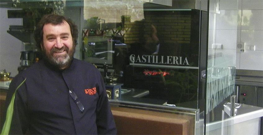 El cocinero Juan Valdés García del restaurante La Castillería. Foto: Cosasdecome