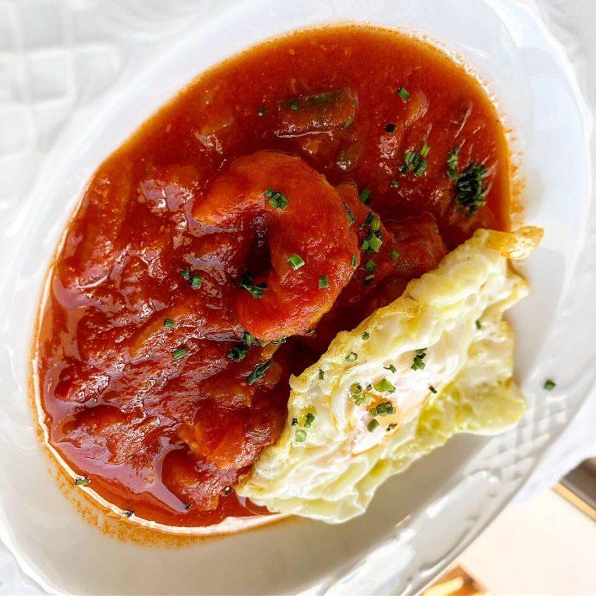Langostino en tomate