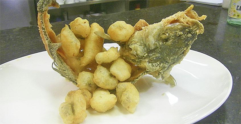 Lubina de estero frita a la gaditana