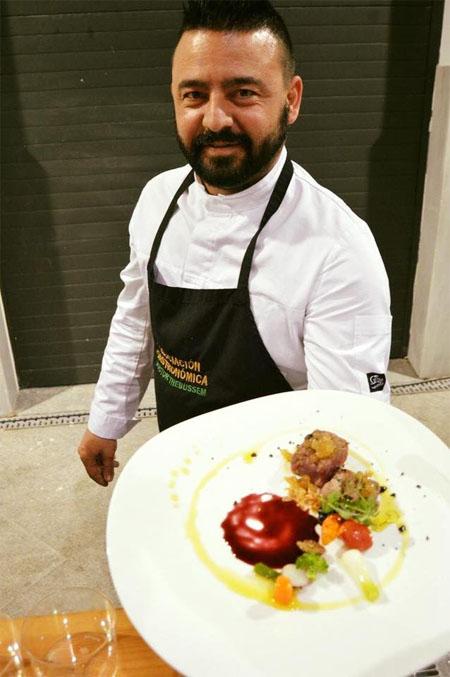 El cocinero Manolo Gallardo, autor de la tapa. Foto: Cedida por Show de Tapas Medina