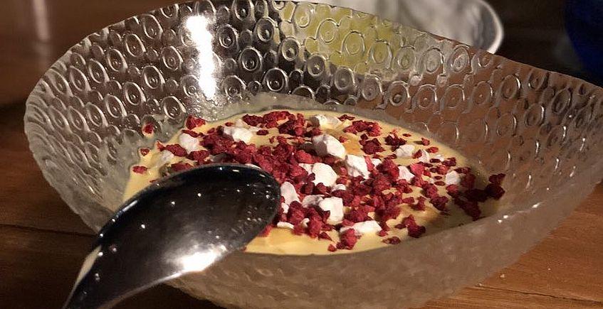 Los mejillones al curry rojo con fresas del restaurante La Breña