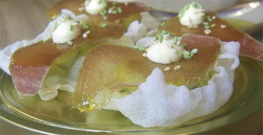 El nigiri de arroz suflado con mojama de Tiemar