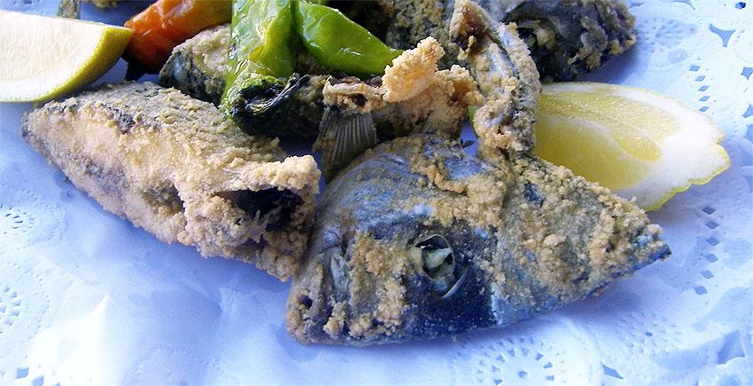 La mojarra frita del bar restaurante Viento de Levante