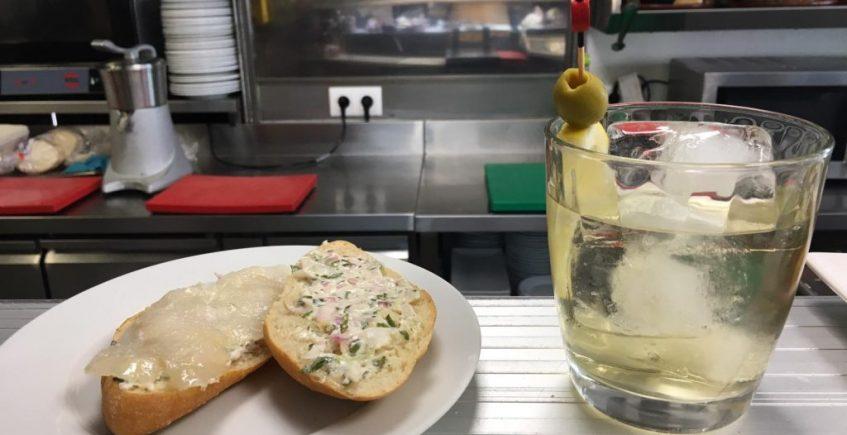 El montadito de bacalao con salsa tártara de La Vermutería