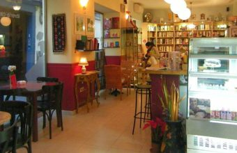 La Clandestina, librería-café