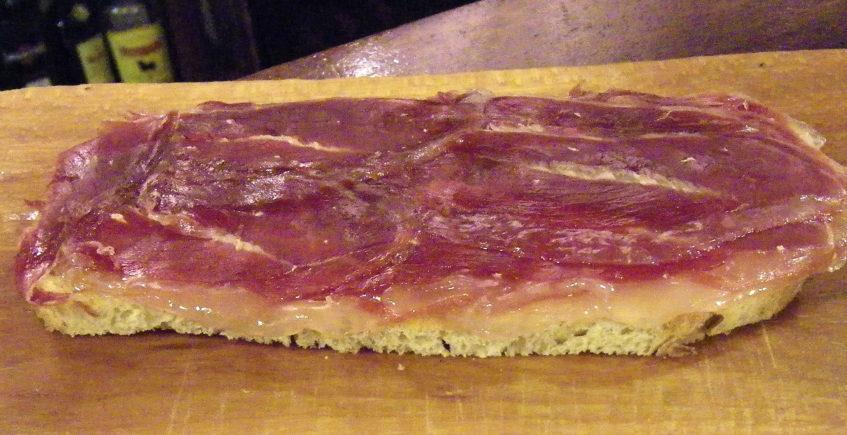 La tosta de jamón de La Bodeguilla del Bar Jamón