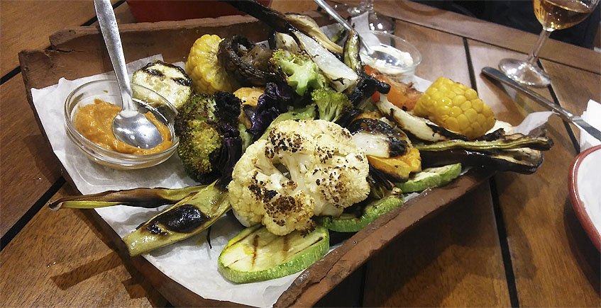 La parrillada de verduras del restaurante La Cabaña