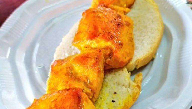 Los pinchitos de pollo de las bodegas El Gato
