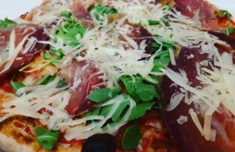 La pizza de la casa de Italianíssimo