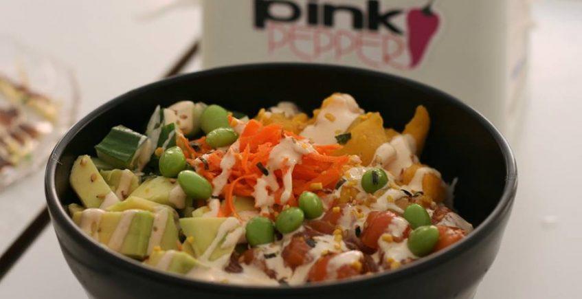 El poke de salmón de Pink Peeper