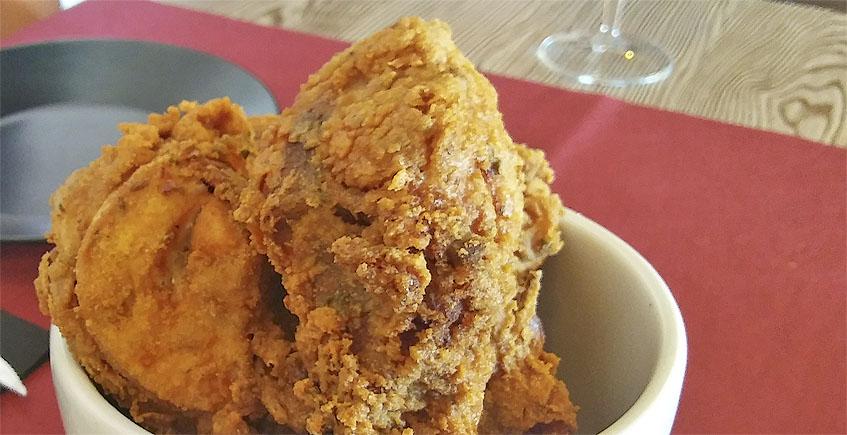 El pollo en adobo del asador Bienmesabe