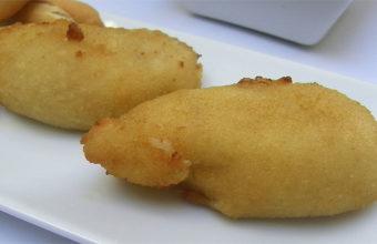 Las croquetas de huevos fritos con trufa de La Tapería de Lola