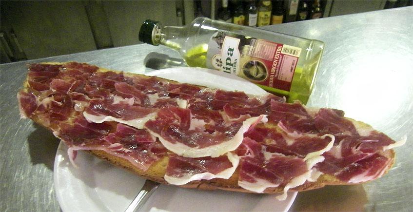 """La """"manta"""" de jamón de la Venta San Hermenegildo"""