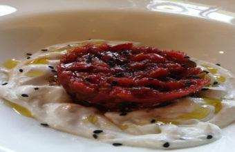 El tartar de tomate y crema de queso payoyo del restaurante Carmen