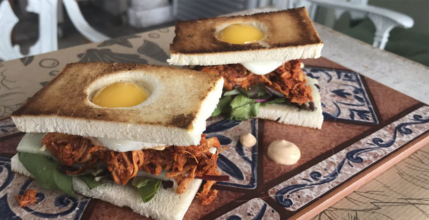 El sandwich club de gallina pibil de 4 Estaciones