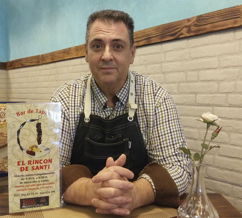 Santiago Colsa, el autor de esta tortilla rellena. Foto: Cosasdecome