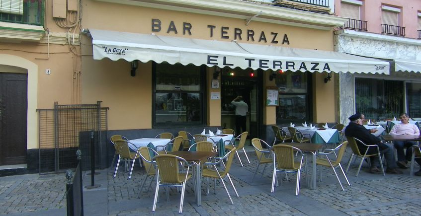 El histórico bar Terraza de Cádiz pone hoy en marcha su servicio a domicilio