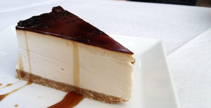 La tarta de crema de orujo del Mesón O Pote