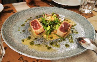 El Pad Thai en salsa Sata y Tataky de atún de 4 Estaciones