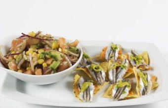 Tiradito de boquerones con ensalada de melloco y aguacate de Garimba Sur