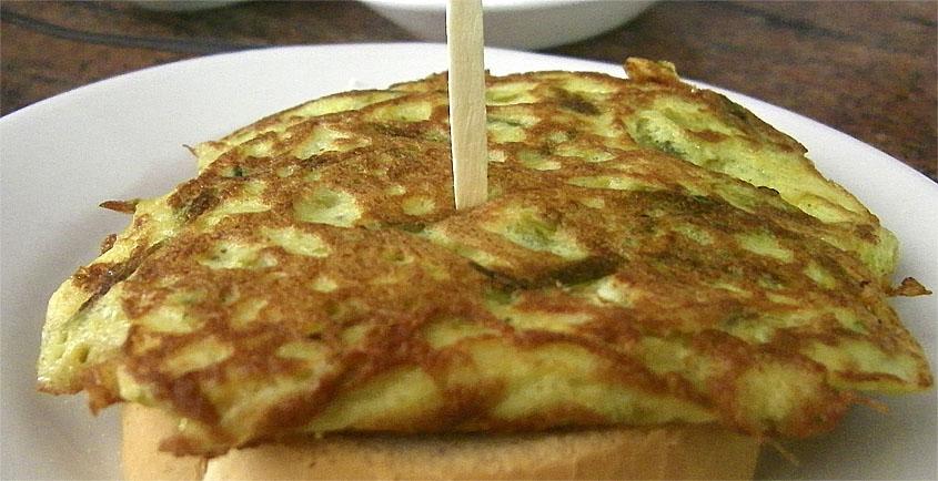La tortilla de espárragos del bar El Gordi